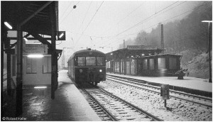 19741211_stolberghbf_imschnee_ausfahrt815779riac