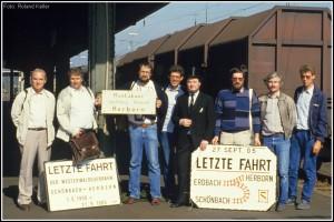 1_19850927_BfHerborn_EisenbahnfreundenachAbschiedsfahrt_x4F1_F