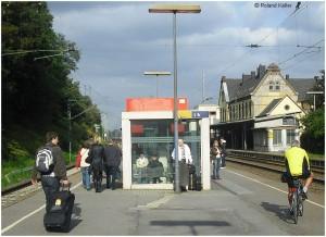 20090911_StolbergHbf_Bahnsteigszene_x4