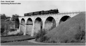 1950erJahre_Falkenbachviadukt_BR74Mokkaexpress_F