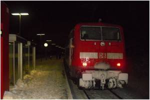 12_20100109_StolbergHbf_BahnsteigGl1_EinfahrtBR111mitRE9_x12_F