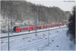 12_20100131_StolbergHbf_BR111mitRE9_vonCABrueckeaus_CIMG5136