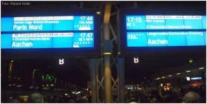 20100111_KoelnHbf_Bahnsteig_Zuginformation_x2_F