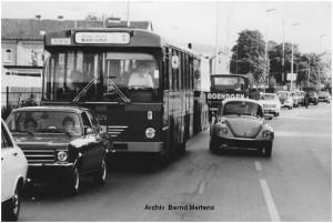 1976_08_17_Stolberg_Eisenbahnstrasse_Stau_vor_neuer_Ampel_Schneidmuehle_x1F2_F