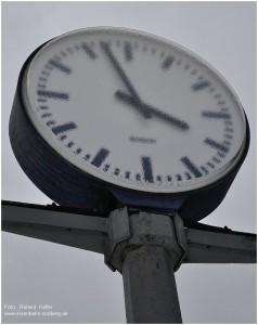 3_2013_01_20_StolbergHbf_Bahnhofsuhr_nachEisregen_x1_F