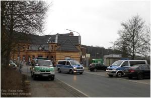 2013_04_05_StolbergHbf_Vorplatz_Polizeifahrzeuge_x3_F