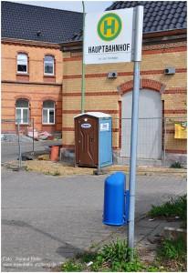 2013_04_28_StolbergHbf_Bushaltestelle_Vorplatz_x2_F