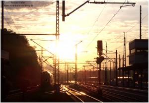 2013_06_06_StolbergHbf_Morgensonne_Gegenlicht_Einfahrt_RE1_x1_F