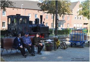 2013_09_29_BfSchierwaldenrath_Bahnsteigszene_imHg_MEG46_x9_F