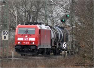2014_01_26_beiStolbergHbf_185225_Kesselwagenzug_x5_F