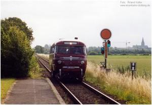 2004_07_03_HpMG_Genhausen_SchiStraBus_x1F4_F