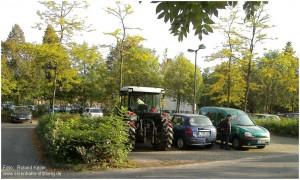 2014_09_18_StolbergHbf_Traktor_auf_PuRParkplatz_x2_F