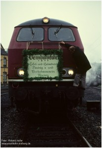1977_06_17_StolbergHbf_215013_VennbahnSf_Schild_x1F4_F