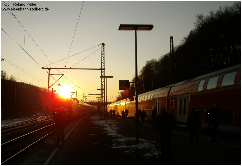 2015_02_06_StolbergHbf_RE1_Begegnung_bei_Sonnenuntergang_x8_F