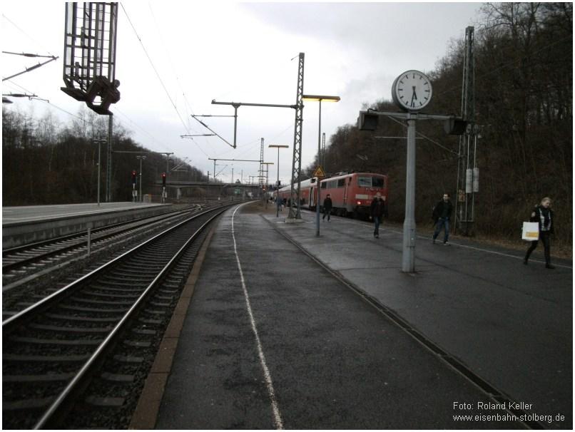 2015_02_20_StolbergHbf_111120_RE9_Halt_am_Westkopf_d_Bahnsteigs_x2_F