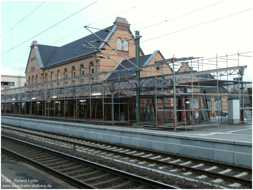 2015_03_10_StolbergHbf_Bahnsteigdach_ohne_Planen_x2_F