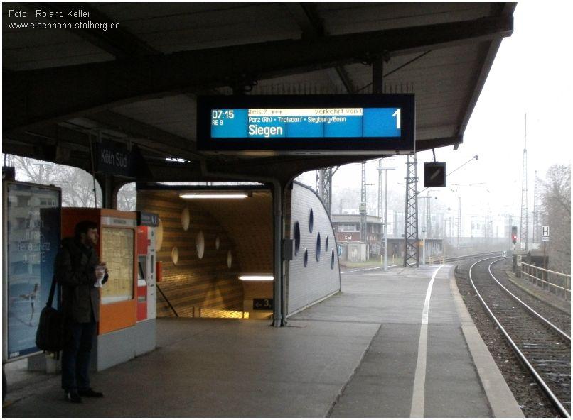 2015_03_25_BfKoeln_Sued_Zuganzeige_RE9_Umleitung_x2_F