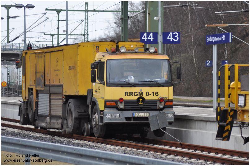 2015_03_28_StolbergHbf_Schienenschleif_2Wege_LKW_x1_F