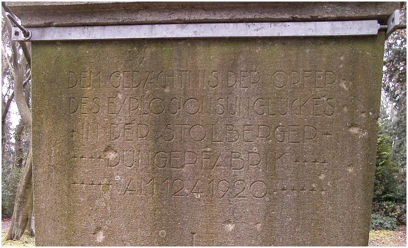 2015_04_11_Stolberg_FriedhofBergstrasse_Inschrift_Schippan_Denkmal_x6_F