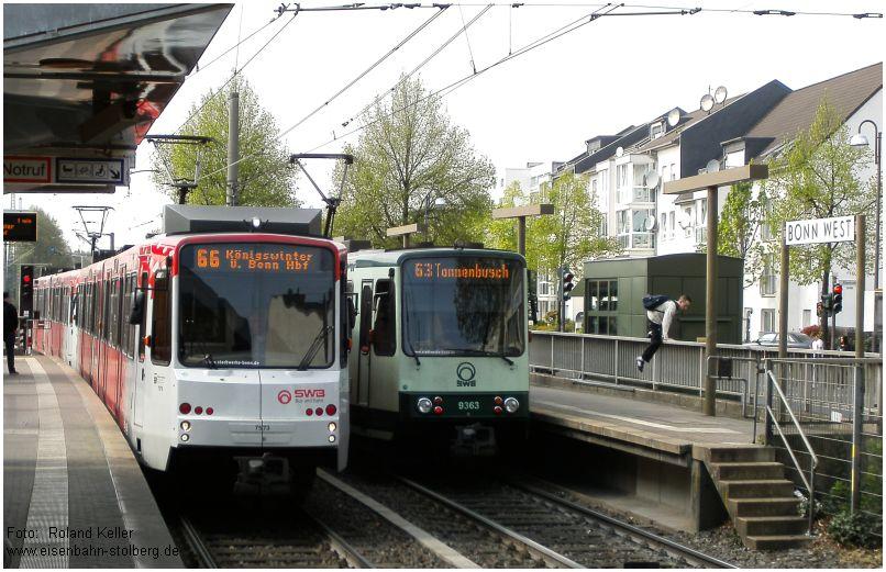 2015_04_22_BonnWest_SWB_Stadtbahnwagen_alt_u_neu_x5_F