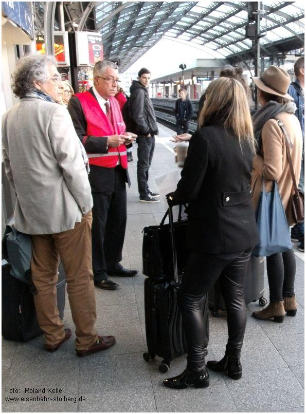2015_04_22_KoelnHbf_Bahnstreik_DB_u_SNCB_Thalys_Kundenberater_x1_F