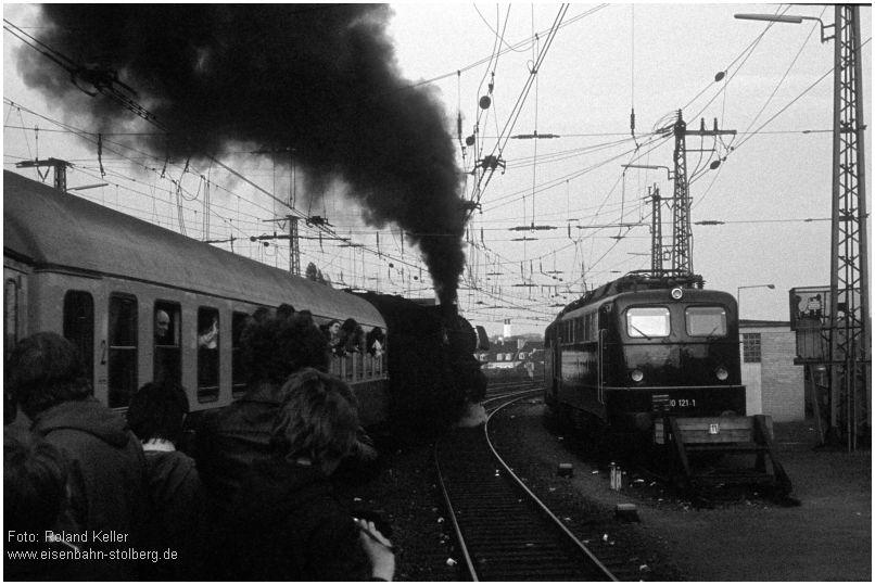 1975_05_10_AachenHbf_012063_Ausfahrt_Sf_Luettich_Rheine_110121re_x6F3_F
