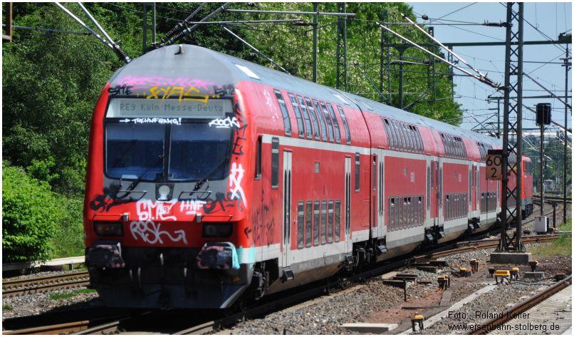 2015_06_05_StolbergHbf_DostoSteuerwagen_Graffitiattacke_RE9_x4_F