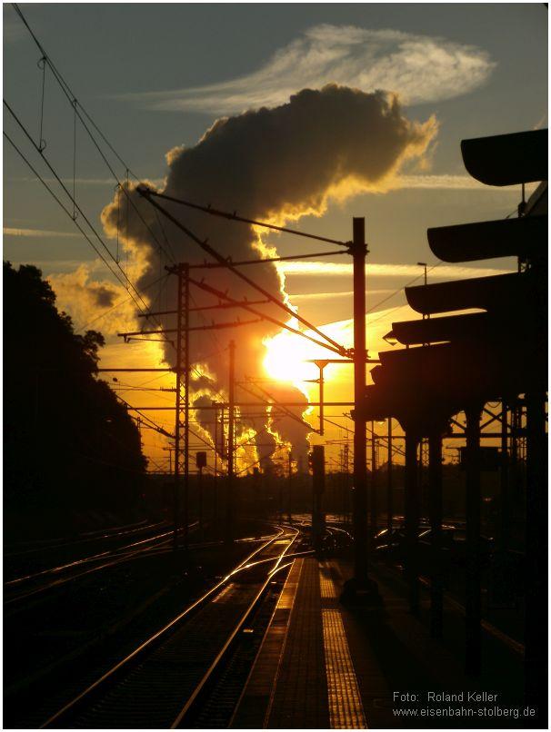 2015_06_17_StolbergHbf_Sonnenaufgang_Kraftwerksdampf_x1_F