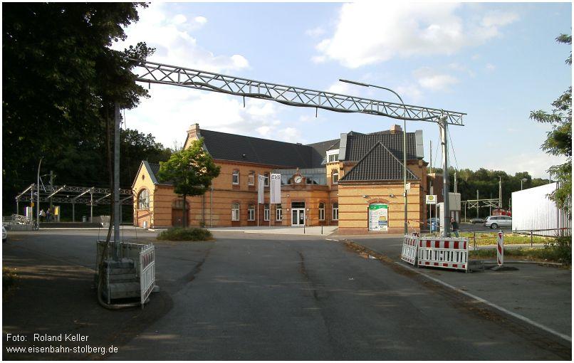 2015_07_09_StolbergHbf_Schlauch_Bruecke_x2_F