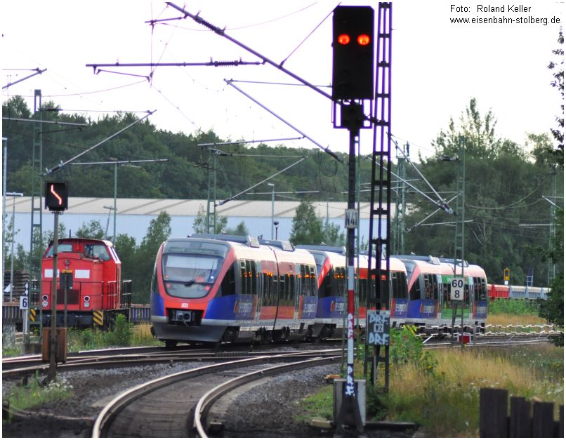 2015_07_25_StolbergHbf_Ausfahrt_BR643_3tlg_im_Hg_EBM_203115_x4_F