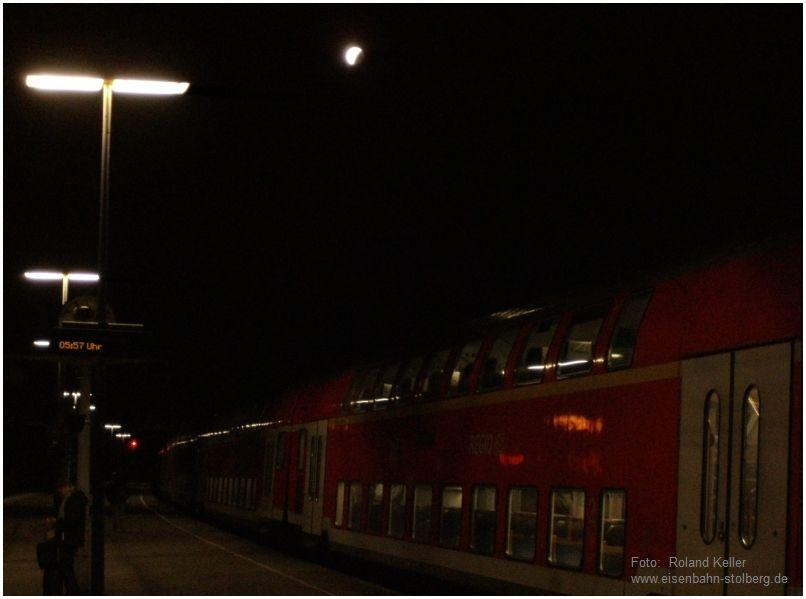 2015_09_28_Stolberg_Hbf_Mondfinsternis_ueber_Bahnsteig_x1_F