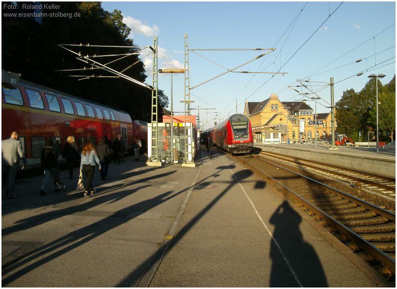 2015_09_28_Stolberg_Hbf_RE1_Treffen_lange_Schatten_x2_F