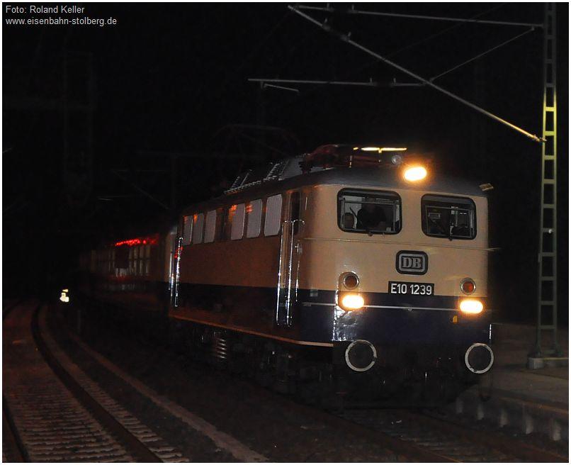 2015_10_03_Stolberg_Hbf_E101239_Durchfahrt_nachts_x2_F