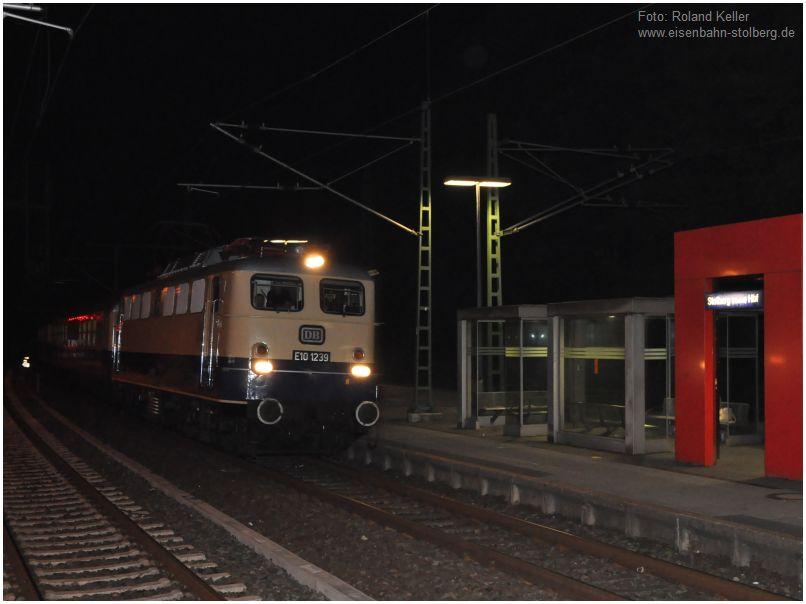 2015_10_03_Stolberg_Hbf_E101239_Durchfahrt_nachts_x3_F