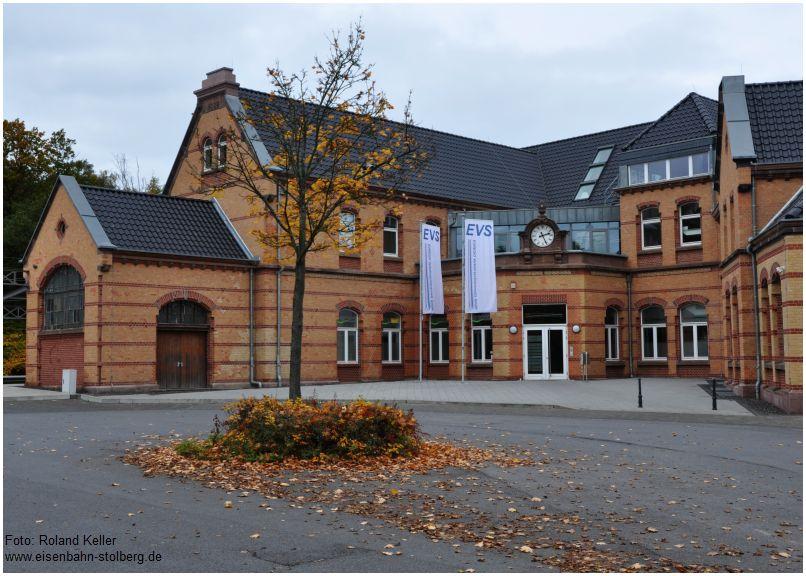 2015_10_25_Stolberg_Hbf_Vorplatz_Herbstlaub_x1_F