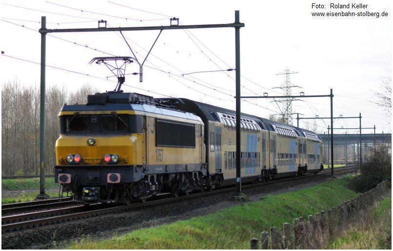 2015_12_19_bei_Maastricht_Kasteel_Vaeshartelt_NS_1757_Doppelstockzug_x2_F
