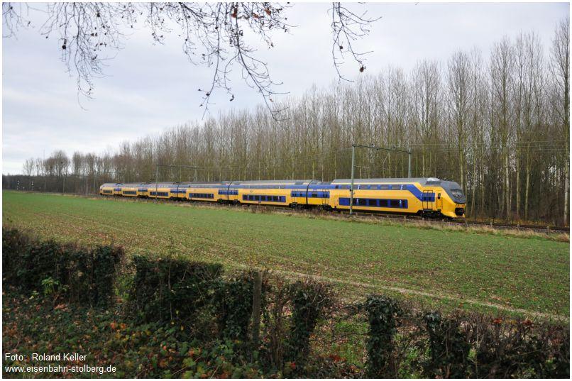 2015_12_19_bei_Maastricht_Kasteel_Vaeshartelt_NS_Doppelstockzug_x1_F