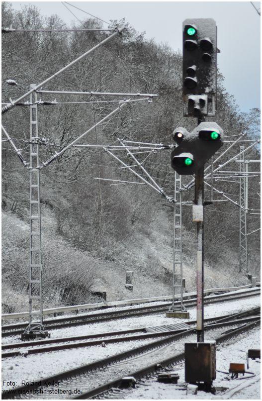2016_01_17_Stolberg_Hbf_Zwischensignal_im_Schnee_x1_F