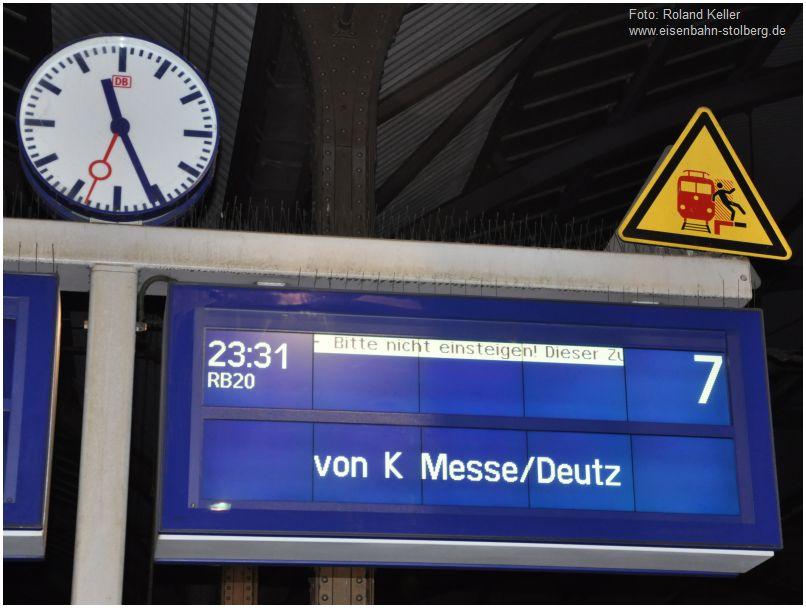 2016_01_28_Aachen_Hbf_lustige_Bahnsteiginformation_x3_F