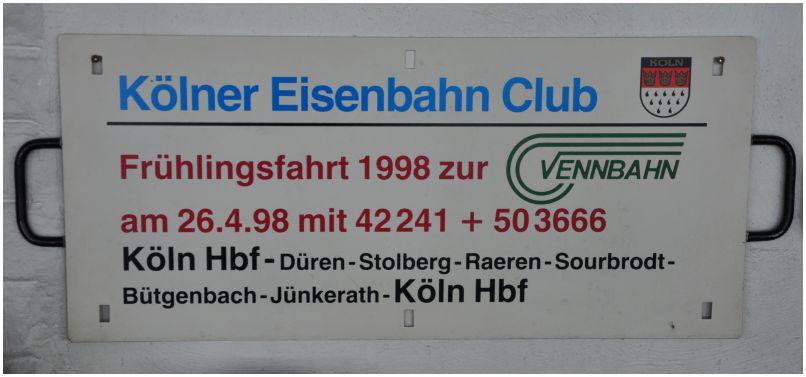 2016_05_05_ehem_Bf_Kornelimuenster_Zuglaufschild_KEC_Vennbahnfahrt_1998_x2_F