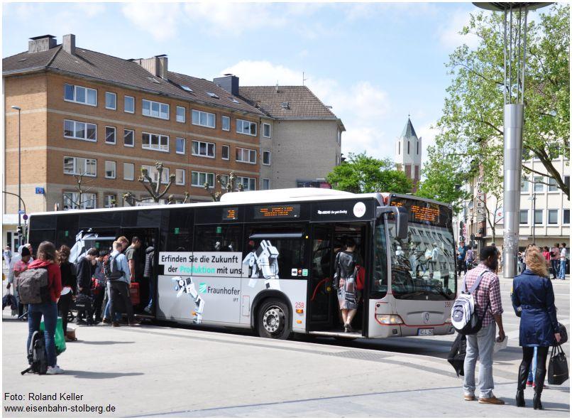 2016_05_21_Aachen_Hbf_Vorplatz_ASEAG_Bus_258_Werbung_FI_Produktion_x3_F