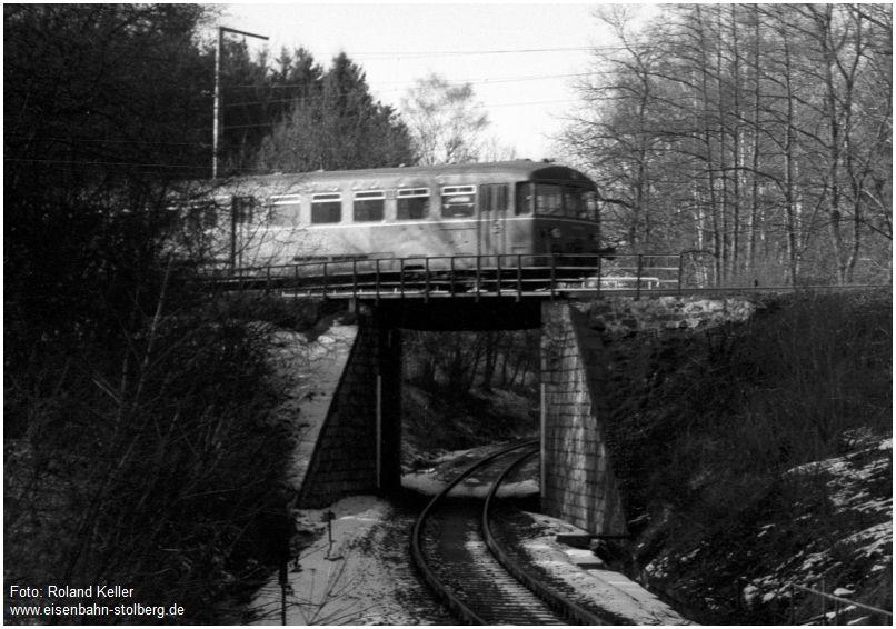 1979_02_27_StolbergHbf_Unterfuehrung_Hrathbahn_515673_aufBruecke_Ausschnitt_x1F4_F