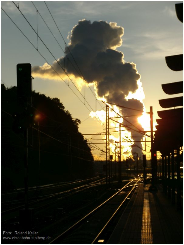 2016_06_16_Stolberg_Hbf_Gl43_Kraftwerkswolken_Morgensonne_Reflexion_x3_F
