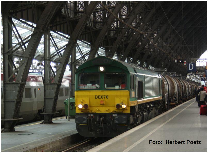 2016_06_28_Koeln_Hbf_Class66_DE676_Kesselwagenzug_Foto_Herbert_Poetz_x1_F