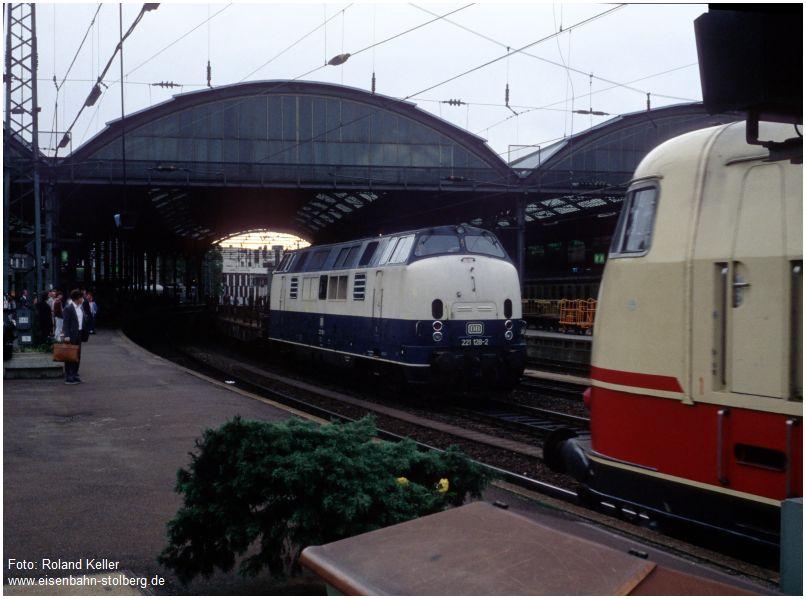 1986_06_11_AachenHbf_221138_BR103_x1F3_F
