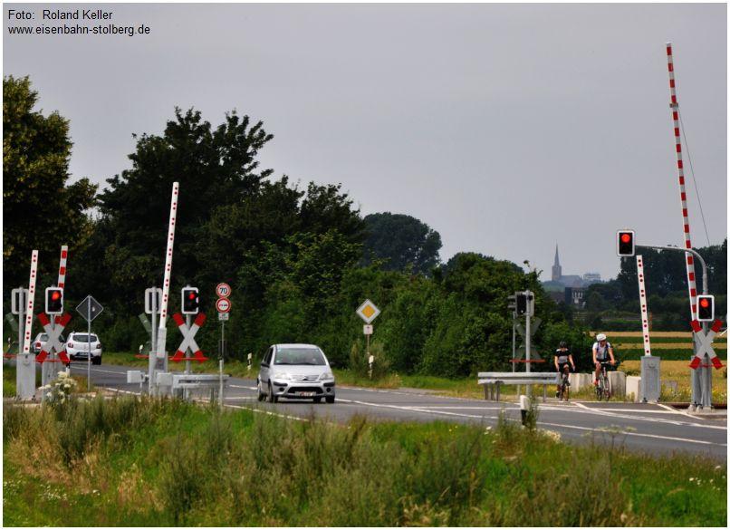 2016_07_16_Bahnuebergang_Merzbrueck_Rotlichtfahrer_x4_F