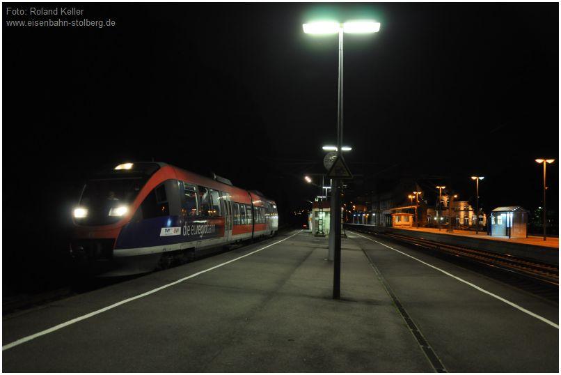 2016_08_07_Stolberg_Hbf_Gl1_BR643_nachts_x7_F