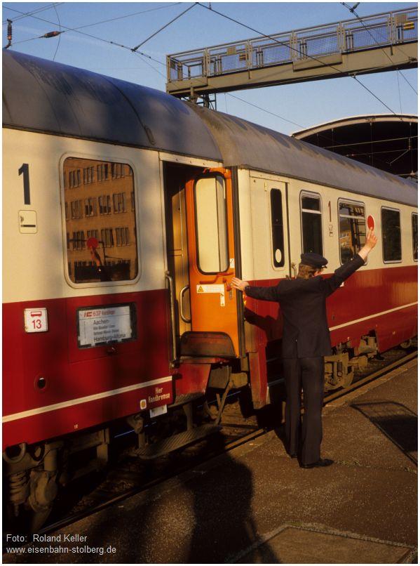 9_1986_08_xx_Aachen_Hbf_IC_637_Karolinger_2008_x1F3_F
