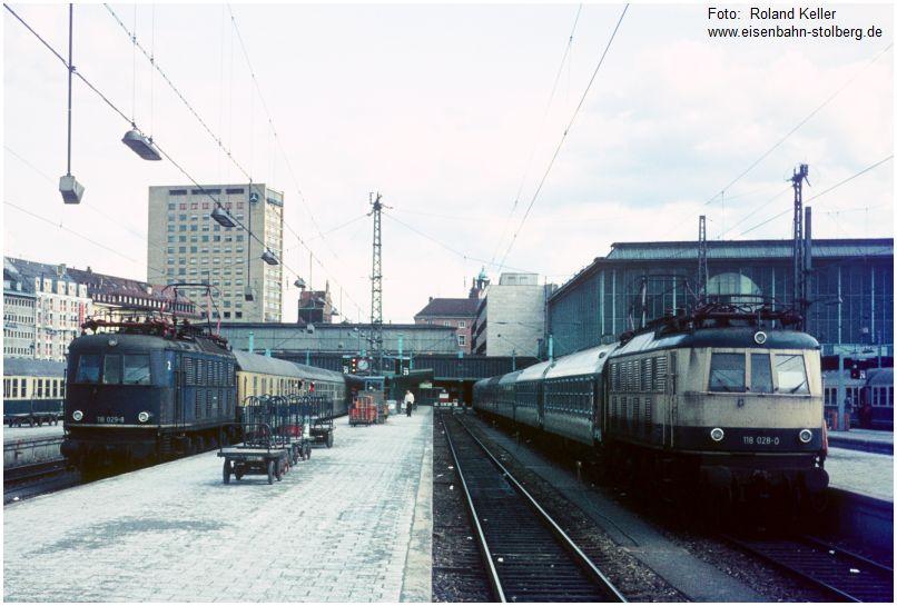 1981_03_15_muenchen_hbf_118028_li_118028_re_dzug_n_regensburg_x19f7_f